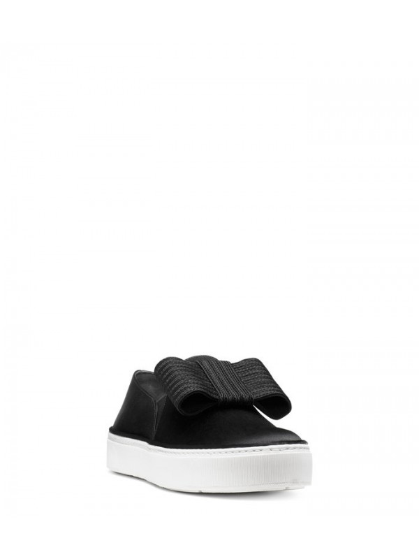 THE BOWGAL SNEAKER